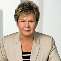 Portraitfoto: Helga Hartl