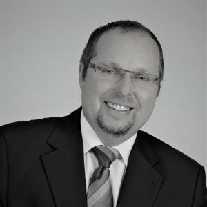 Portraitfoto: Gerhard Amerbauer