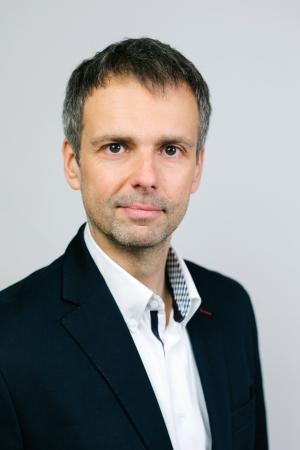 Portraitfoto: Gregor Radej
