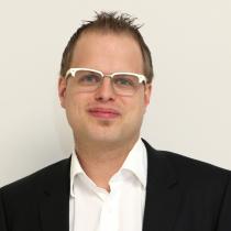 Portraitfoto: Edward-Andreas Rendl