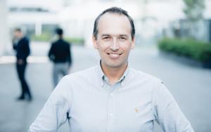 Portraitfoto: Rainer Fübi