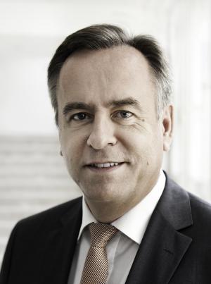 Portraitfoto: Josef Simon