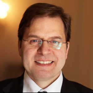 Portraitfoto: Hans Jürgen Pfisterer