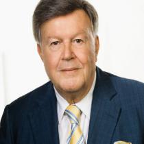 Portraitfoto: Hans-Jürgen  Pollirer