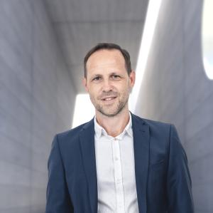 Portraitfoto: Bernd Gerstl