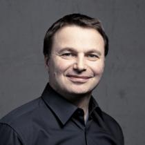 Portraitfoto: Hubert S. Preisinger