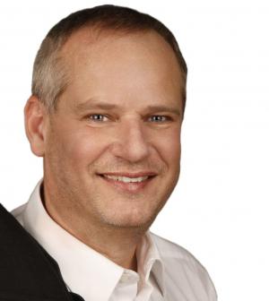 Portraitfoto: Ronald Josef Holzleitner